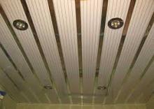 Монтаж реечного потолка фото